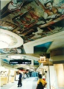 """Gli interni dello shopping center """"Porta"""" a Yokohama: gli affreschi firmati Mariani decorano tutti i soffitti"""