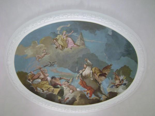 Le scene degli affreschi della villa si ispirano al periodo che va dal Cinquecento al Seicento