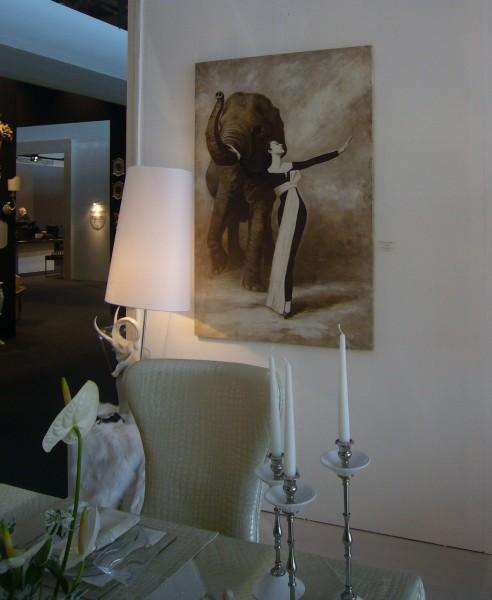 Una sala da pranzo arredata con un affresco di Mariani al Macef di Milano