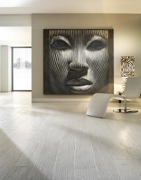 Maschere votive, gigantografie di condottieri del passato, opere di grandi dimensioni realizzate con tecniche nuove: perfette per l'anima della nostra casa