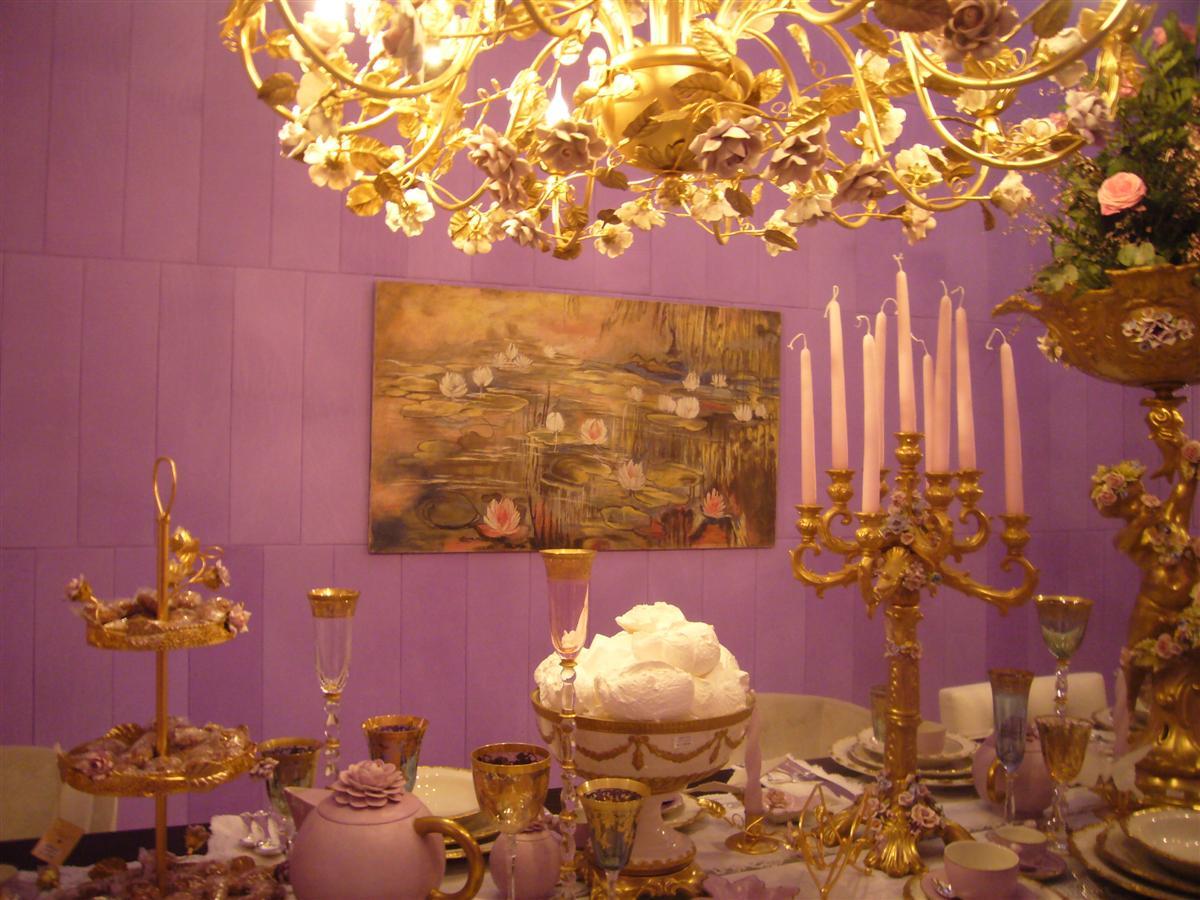 Un particolare dell'allestimento Casa Giardino all'ultima edizione del Macef con un affresco ispirato alle Ninfee di Monet by Mariani Affreschi
