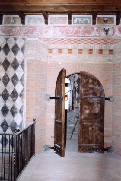 Affreschi Mariani nel Castello di Montalfeo a Pavia in stile medievale