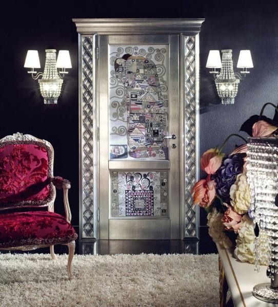 Una rivistazione su base argento dell'intramontabile Bacio di Klimt