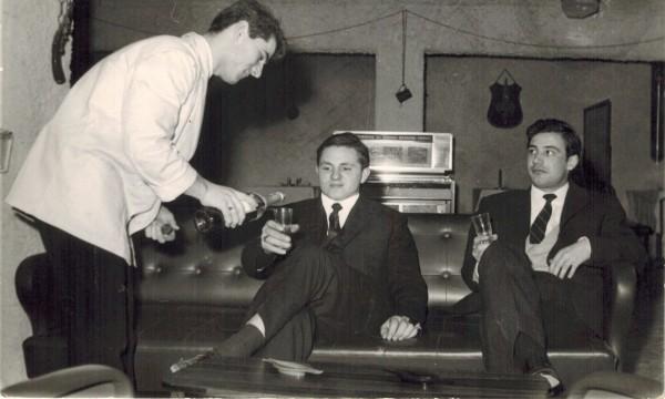 Carlo Mariani nel 1963, anno in cui fondò Bronz'Art divenuta poi l'attuale Mariani Affreschi