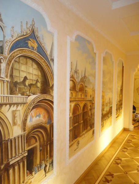 """Le """"finestre"""" su Venezia in questo affresco splendido realizzato su misura per un cliente da Mariani Affreschi"""