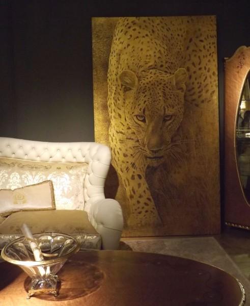 Leopardo su foglia oro (art. L03) della collezione ArteMariani, resso lo stand di Carpanelli
