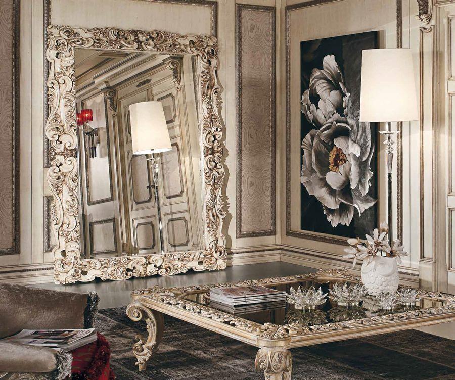 L'affresco Peonia, inserito in un contesto classico e glamour firmato Fratelli Bianchini