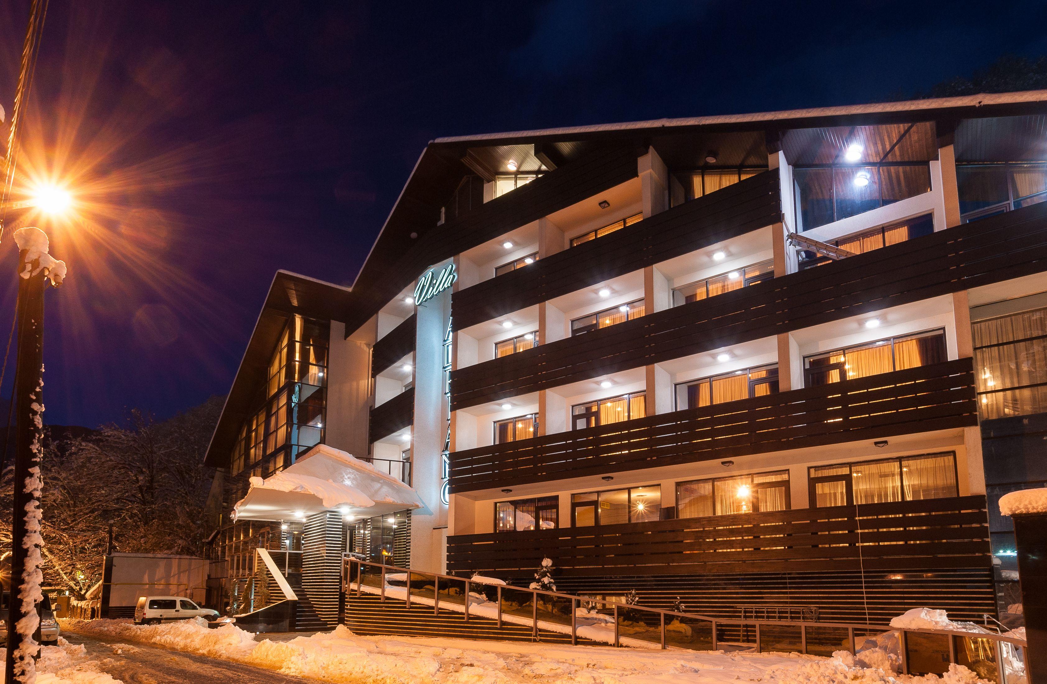 02-Gli-esterni-di-Hotel-Villa-Adriano-inaugurato-in-occasione-delle ...