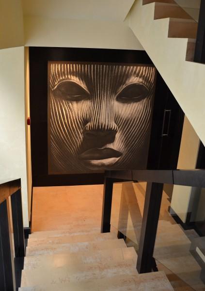 Originalità dell'opera, grande formato e lavorazione artigianale sono i punti di forza della collezione ArteMariani, scelta dallo Studio Archiproekt per l'Hotel Villa Adriano