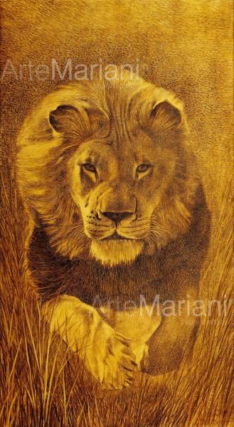Lo sguardo del leone, l'ultimo dei capolavori di Mariani realizzato a mano su tela rivestita in foglia oro. La tecnica pittorica utilizzata rende il soggetto una presenza viva