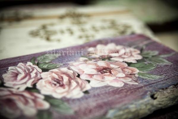 Un particolare di una tavola antica dipinta a mano