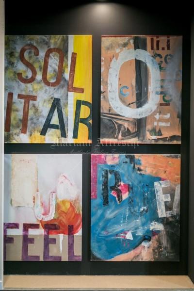Notifiche, una serie di opere inedite realizzate a mano su tela in tecnica mista. Opere di forte impatto visivo per un arredamento giovane e vivace
