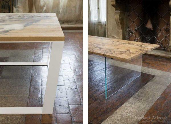 A sinistra tavolo rettangolare con base in cristallo, a destra tavolo quadrato con base in acciaio bianco opaco-Tavoli d-Arte-Mariani Affreschi