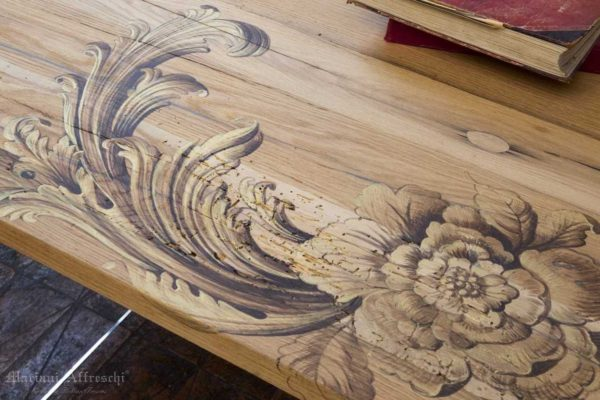 I Tavoli d'Arte di Mariani sono un prodotto esclusivo, curato in ogni dettaglio e destinati ad una clientela esigente e raffinata