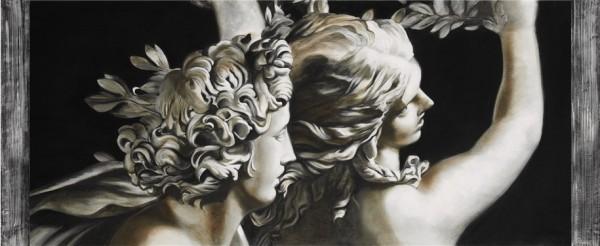 Apollo e Dafne, un'opera classica che rivive nel delicato contrasto del bianco e nero, tra luci e ombre