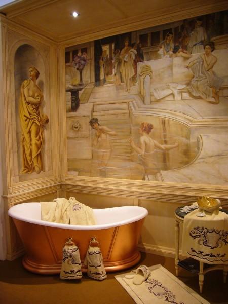 Donne al bagno. Affresco ritraente una scena termale dell'antica Roma, un'opera magistrale di Alma Tadema reinterpretata da Mariani Affreschi