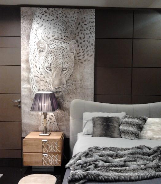 Il Leopardo (versione argento) arreda una camera da letto
