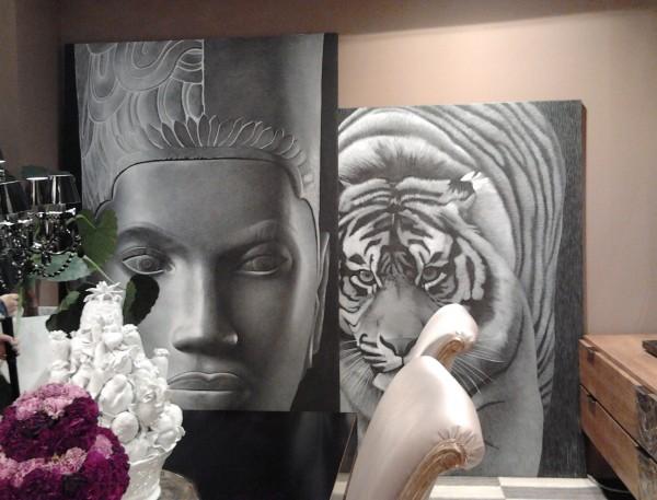 Tigre e Thai, l'intensità dei soggetti ArteMariani per decorare lo stand di Arkeos (Vittorio Grifoni)