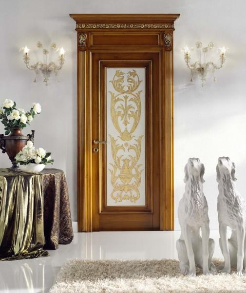 Una classica decorazione ornamentale, rifinita in foglia oro
