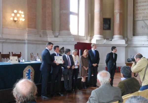 """Premio """"Regolo d'Oro"""": Alberto Mariani riceve dal Sindaco Adriano Paroli il riconoscimento di azienda storica di eccellenza"""