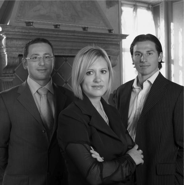 Da sinistra: Alessandro, Laura e Alberto, titolari della Mariani Affreschi