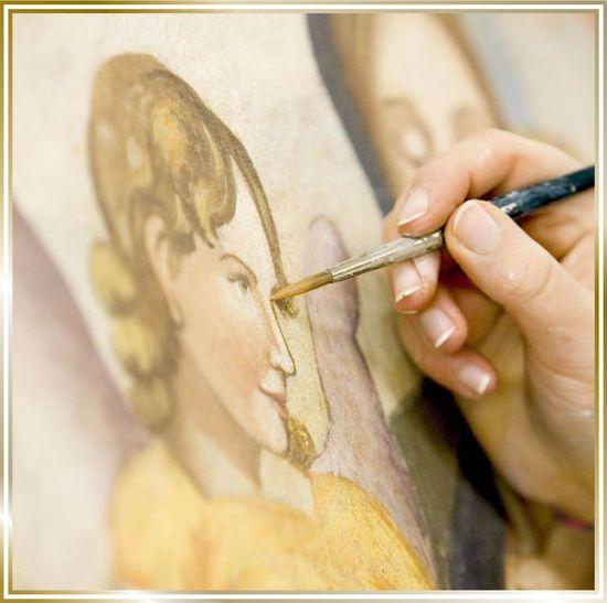 L'arte dell'affresco tecnica umana e bellezza, in un'opera eseguita da un'artista del laboratorio Mariani