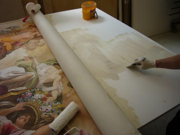 La posa dell'affresco su pannello. Ora l'affresco è pronto per essere applicato su parete