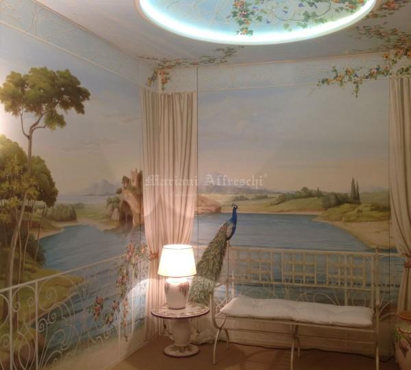 """La sala """"Veranda"""" di Mariani Affreschi al Salone del Mobile. Si ringrazia l'azienda L'Antica Deruta per i complementi d'arredo a decoro della stanza"""