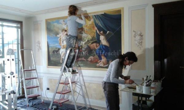 Gli artisti curano alcuni dettagli pittorici. Il progetto artistico è stato studiato in ogni dettaglio da Mariani Affreschi insieme ai committenti di questa elegante dimora privata