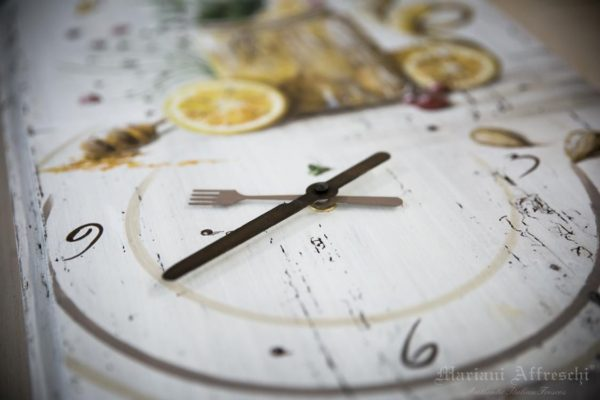The hands of each Mariani Affreschi Clock are an integral part of the hand painted artwork. Unique objects to tell the time inside your home