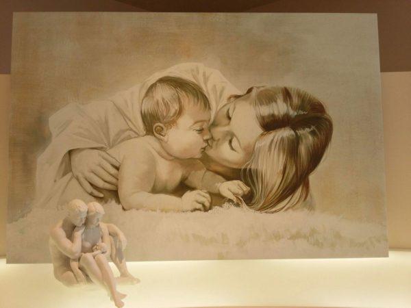 01-mamma con bambino da appendere camera da letto
